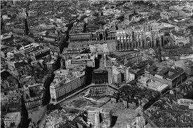 Veduta dall'alto degli sventramenti nel Bottonuto per la costruzione di Piazza Diaz