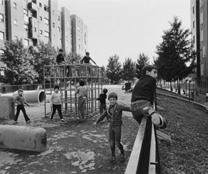 I cortili i bambini e la banda della teppa milano al for Cortile giochi per bambini