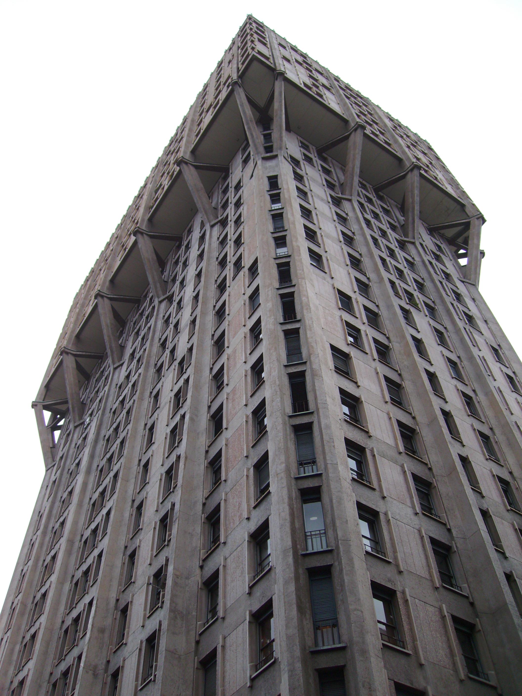 Uno dei simboli di Milano: la Torre Velasca (foto di Robert Ribaudo)