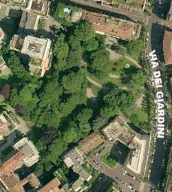 I Giardini comunali Perego sono un piccolo angolo sopravvissuto del parco del Palazzo Perego di Cremnago, demolito dopo l'ultima guerra.