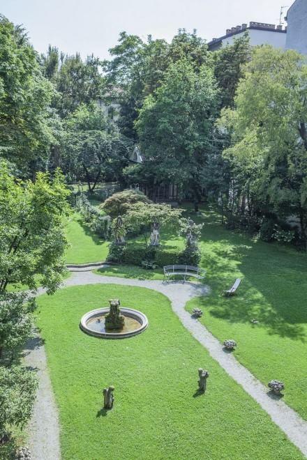 Il giardino di casa degli Atellani, dove sorgerà la vigna di Leonardo (foto da La Repubblica)