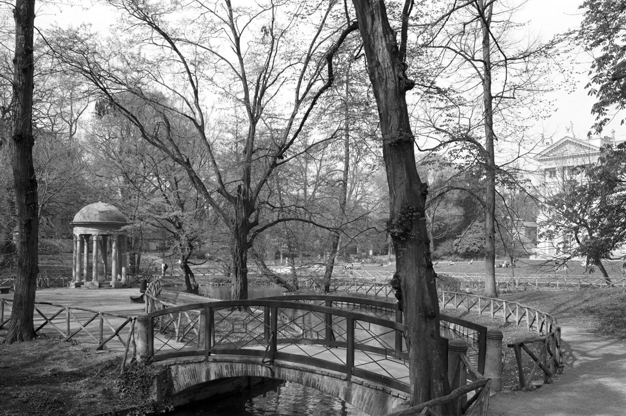 Il parco all'inglese di impianto settecentesco della Villa Reale o Belgijoso di Milano (foto gentilmente concessa da Marco Introini)