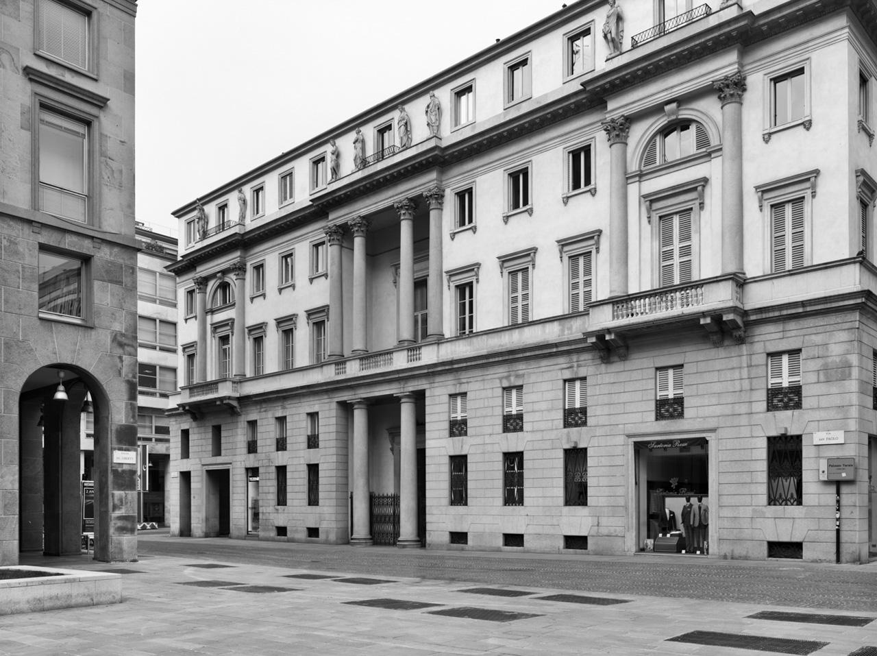 Palazzo Tarsis in Via S. Paolo ang. Corsia de' Servi - oggi Corso Vittorio Emanuele (foto gentilmente concessa da Marco Introini)