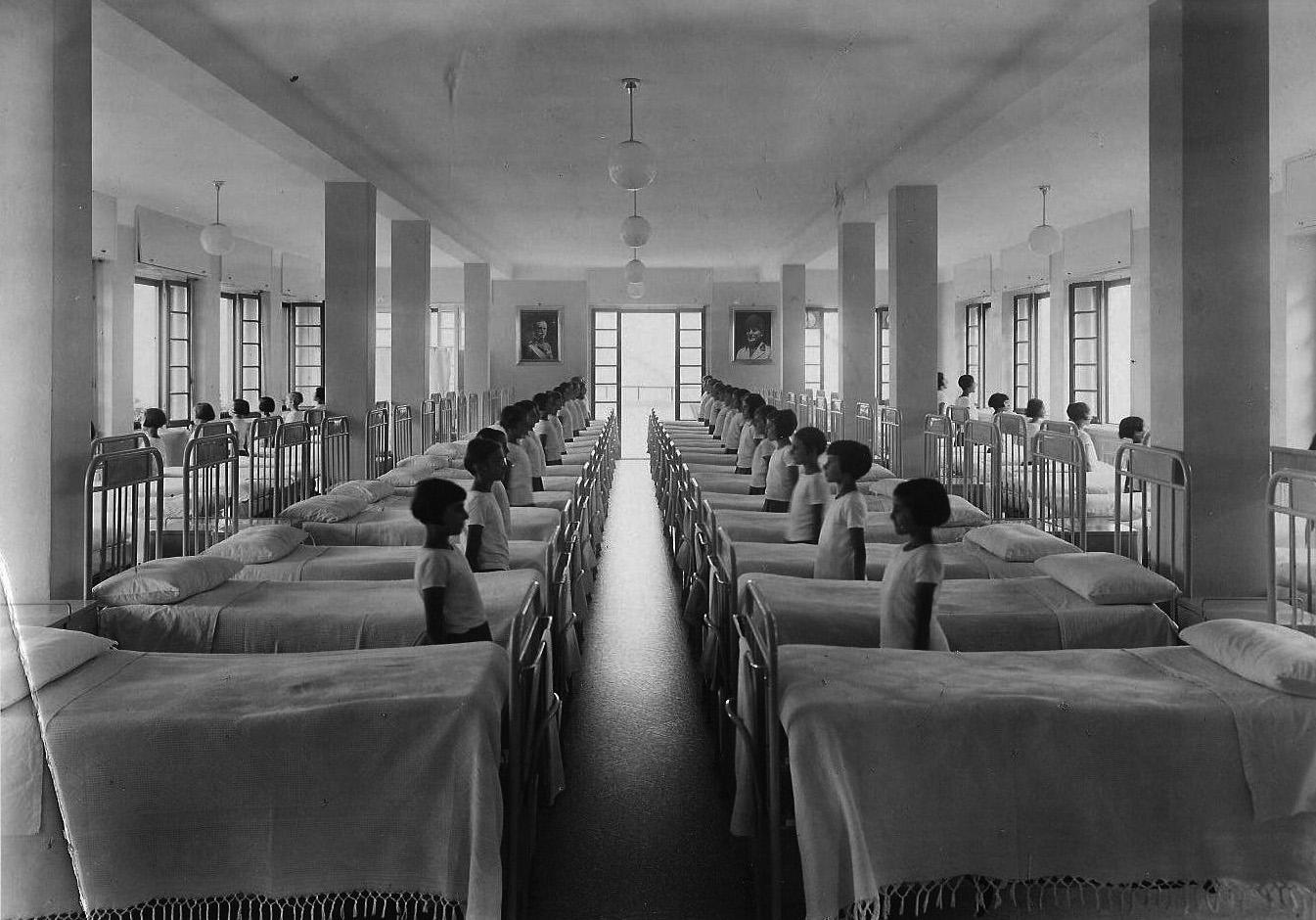 Interno di Sciesopoli - Il dormitorio negli anni Trenta