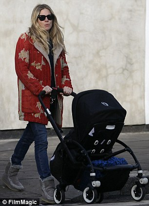 Le mamme milanesi come Sienna Miller: mai senza passeggino Bugaboo