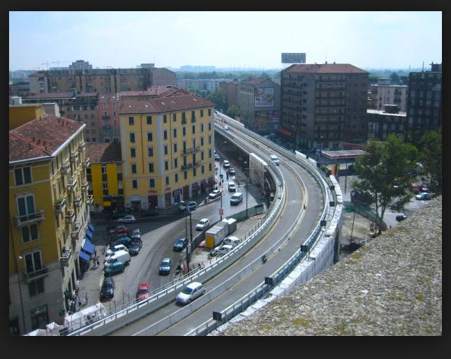 Il cavalcavia di Piazzale Corvetto a Milano (photo: milano.repubblica.it)