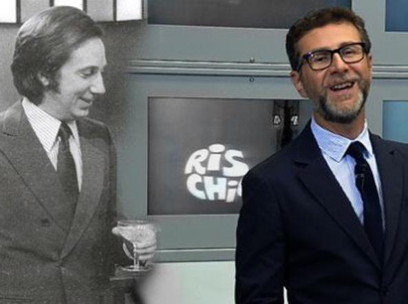 Fabio Fazio con alle spalle l'immagine del Mike nazionale all'epoca di Rischiatutto (photo: Corriere.it)