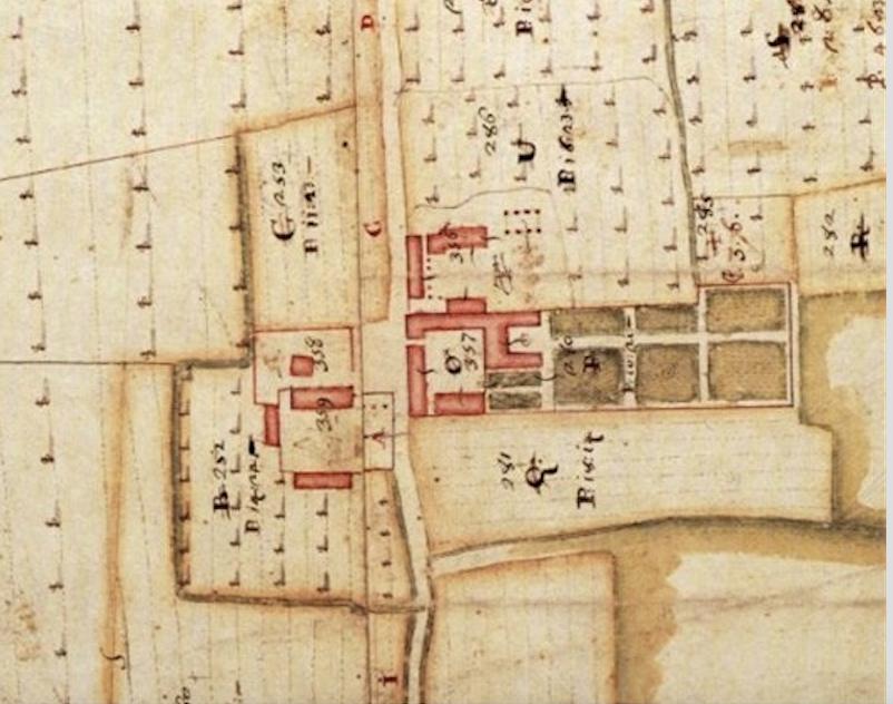 Parte dell'antico borgo con la cascina Cavriana, rappresentata nelle mappe del catasto teresiano metà sec XVIII