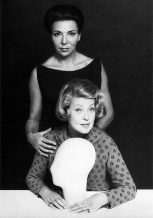Le sorelle Carita che tra gli anni Sessanta e Settanta lanciarono la moda del toupet