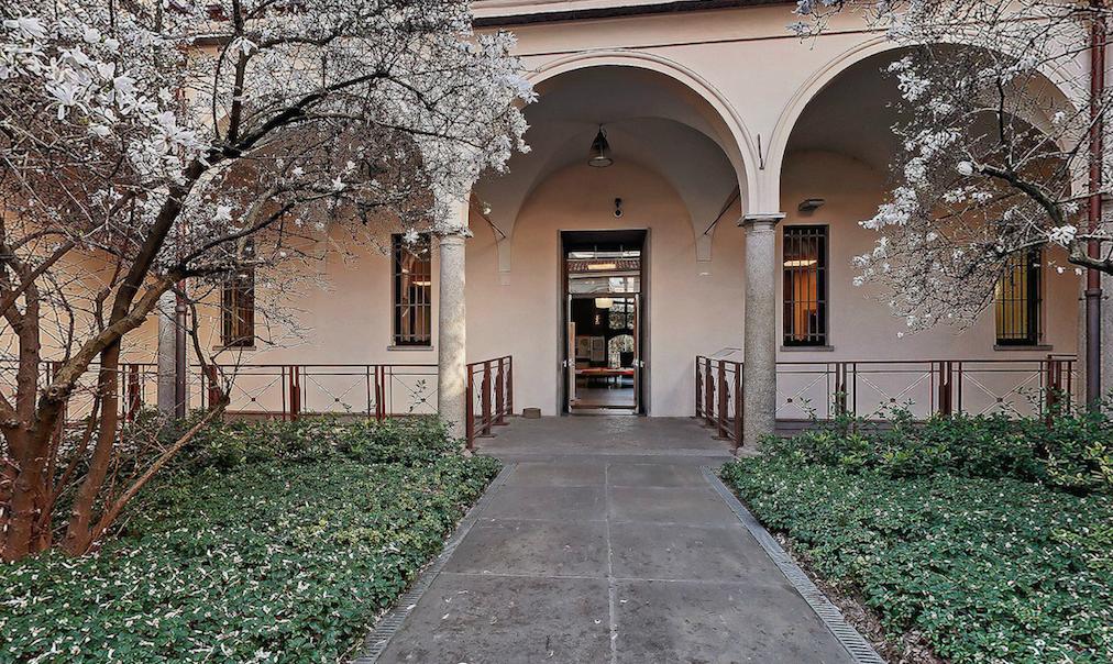 Il chiostrino d'ingresso al Civico Museo Archeologico