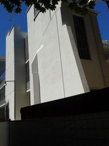 scorcio della casa degli artisti da Corso Garibaldi / Via Tommaso da Cazzaniga (foto Robert Ribaudo)
