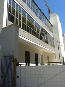 Le verande sul lato su strada della Casa degli Artisti (foto Robert Ribaudo)