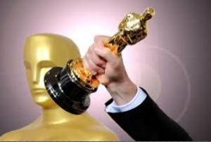 La logica della premiazione si ispira a Oscar dell'Academy of Motion Picture, pur trattando solo film indipendenti