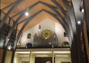 Un'immagine di una serata in cui lo storico organo della Chiesa è stato protagonista assoluto