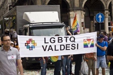 gay-pride-milano-valdese