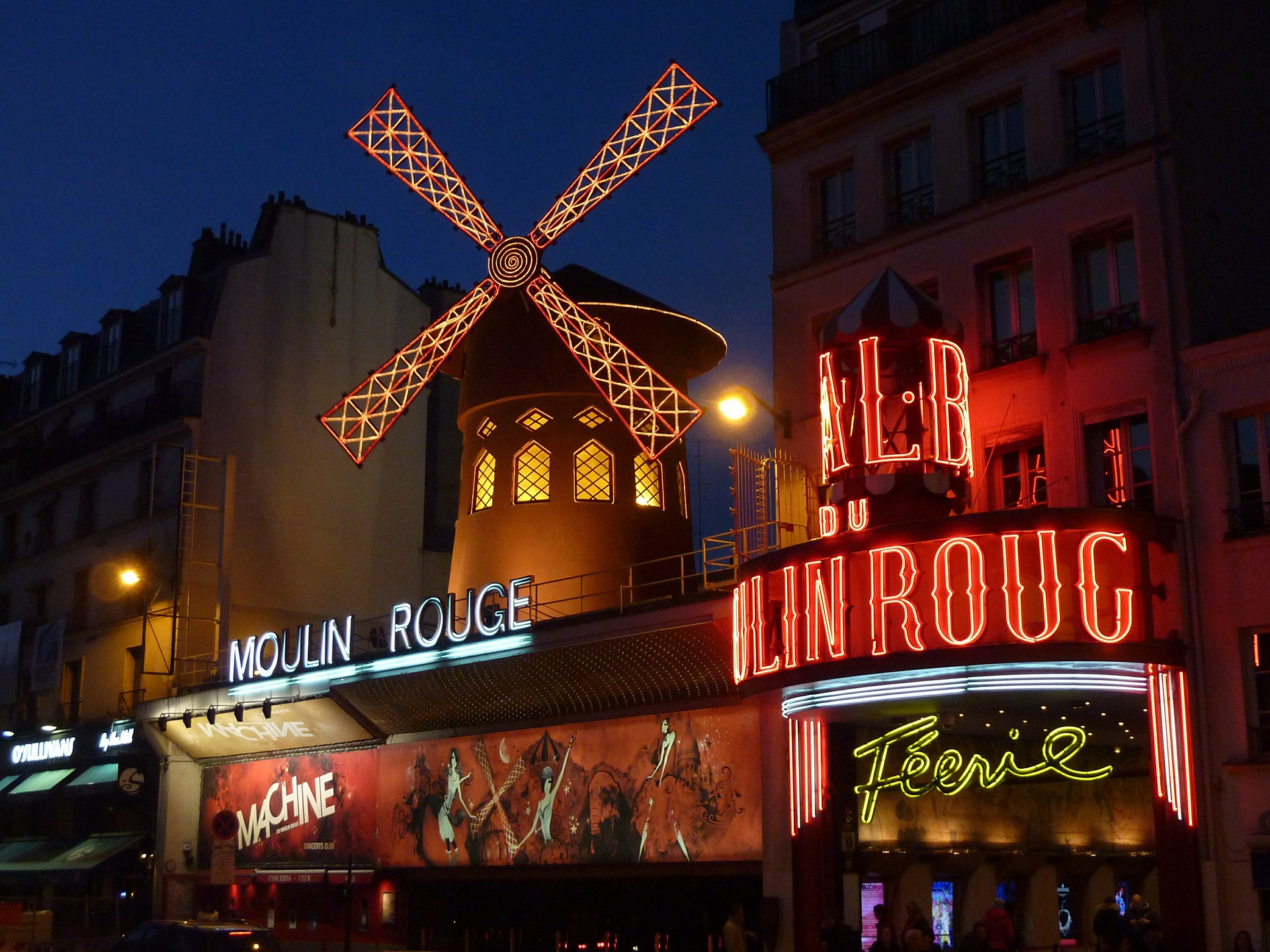 moulin-rouge-392147_1920