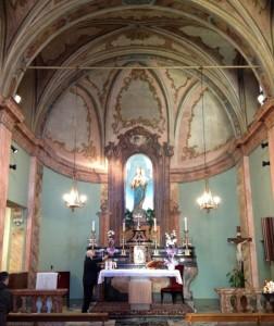 Interno della chiesa (foto urbanfile.it)