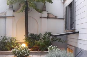 Il cortile esterno d'accesso allo Spazio