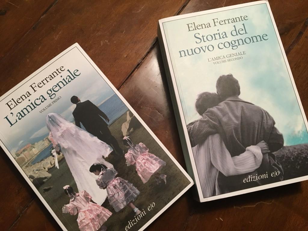 Due dei 4 volumi della saga di successo di Elena Ferrante