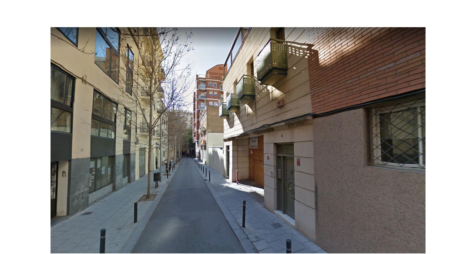 Luigi ci illustra le vie di Barcellona senza uato parcheggiate, un altro mondo, vero?
