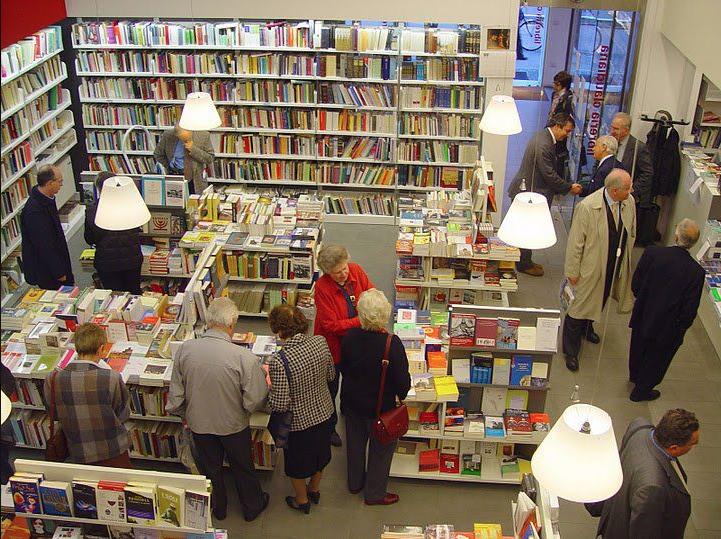 La Libreria Claudiana, una delle molte appartenenti all'Associazione delle Librerie Indipendenti che prendono parte al progetto