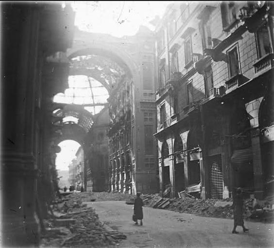 Un'immagine di Milano bombardata che si può trovare in Rete