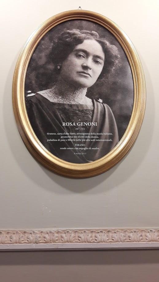Una foto di Rosa Genoni, affissa nell'aula comunale, a perenne ricordo della cittadina progressista (foto di Robert Ribaudo)