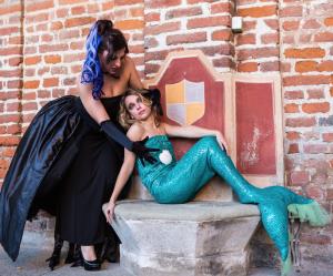 La strega Ursula e la sirenetta Ariel