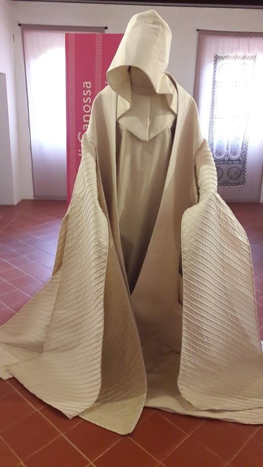 Ricostruzione dell'abito talare dell'abadessa Matilde di Canossa (foto di Robert Ribaudo)