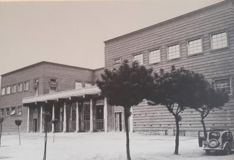 Una vecchia foto che immortala il Palazzo dell'arte di Cremona, oggi Museo del Violino in Piazza Marconi