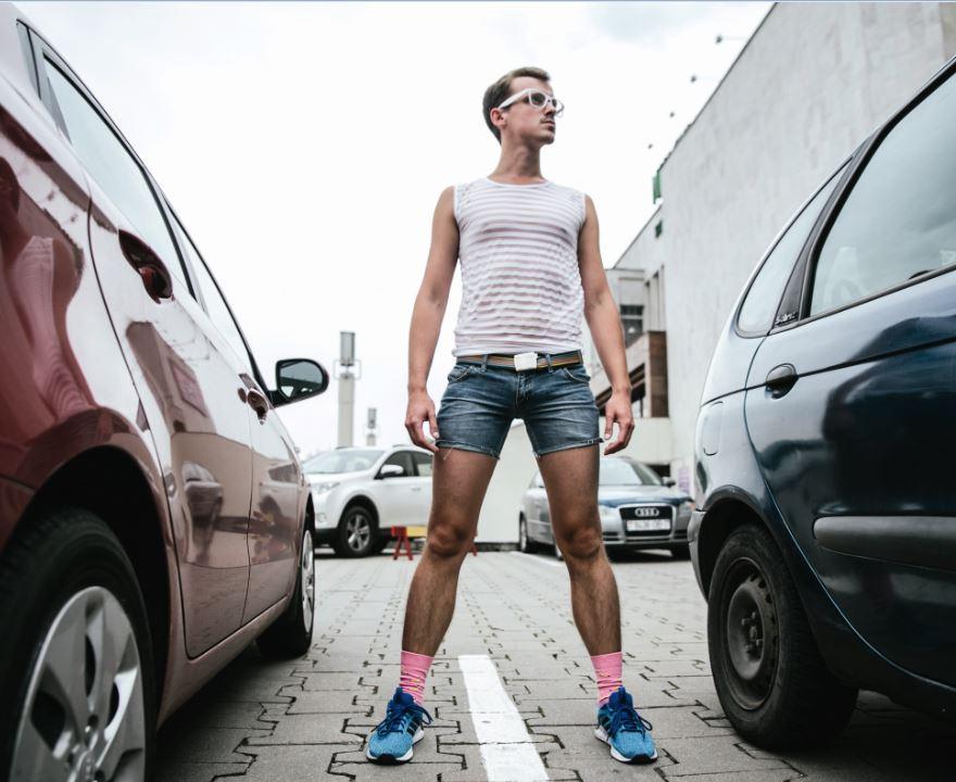 L'attivista LGBT bielorusso Andrei Zavalei